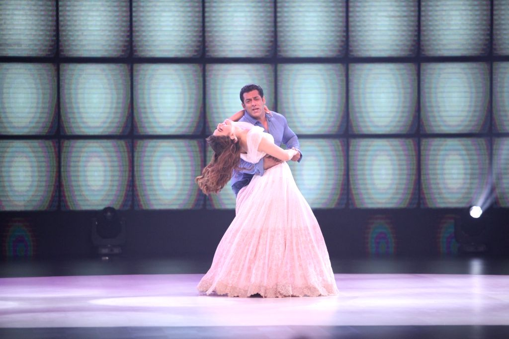 "Actors Salman Khan and Jacqueline Fernandez on the sets of dance reality show ""Dance Deewane"" in Mumbai's Juhu on May 20, 2018. - Salman Khan and Jacqueline Fernandez"