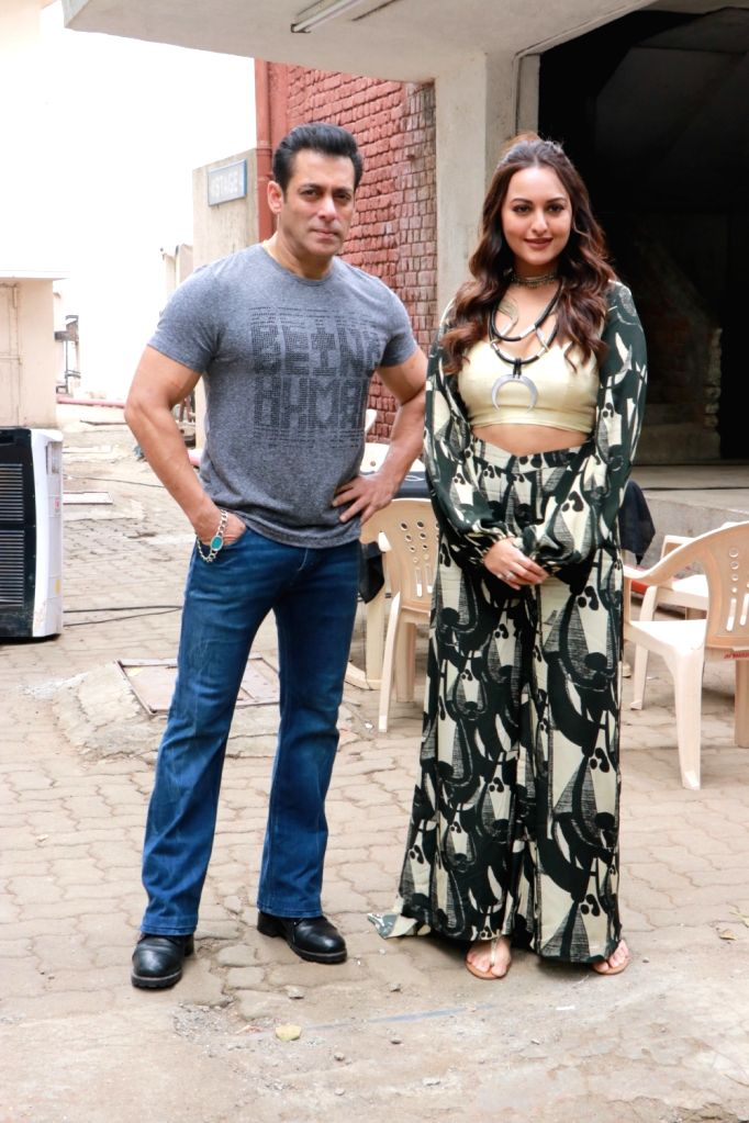 Actors Salman Khan and Sonakshi Sinha seen at Bandra in Mumbai on Dec 5, 2019. - Salman Khan and Sonakshi Sinha