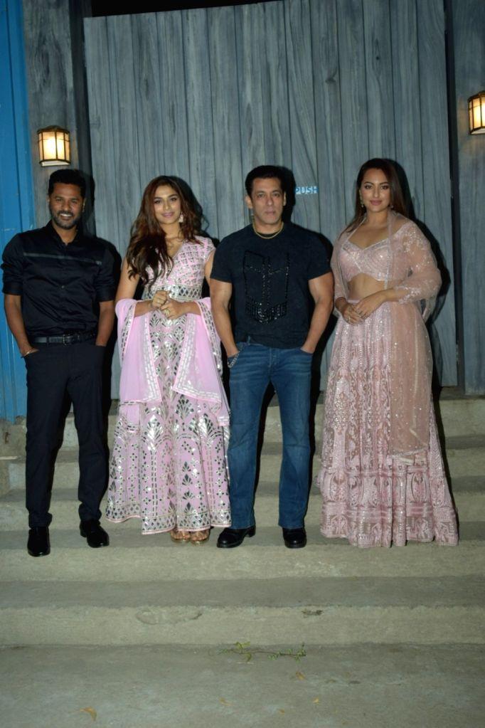 "Actors Salman Khan, Saiee Manjrekar and Sonakshi Sinha and choreographer Prabhu Deva at the promotions of upcoming film ""Dabangg 3"" in Mumbai on Dec 6, 2019. - Salman Khan, Saiee Manjrekar and Sonakshi Sinha"