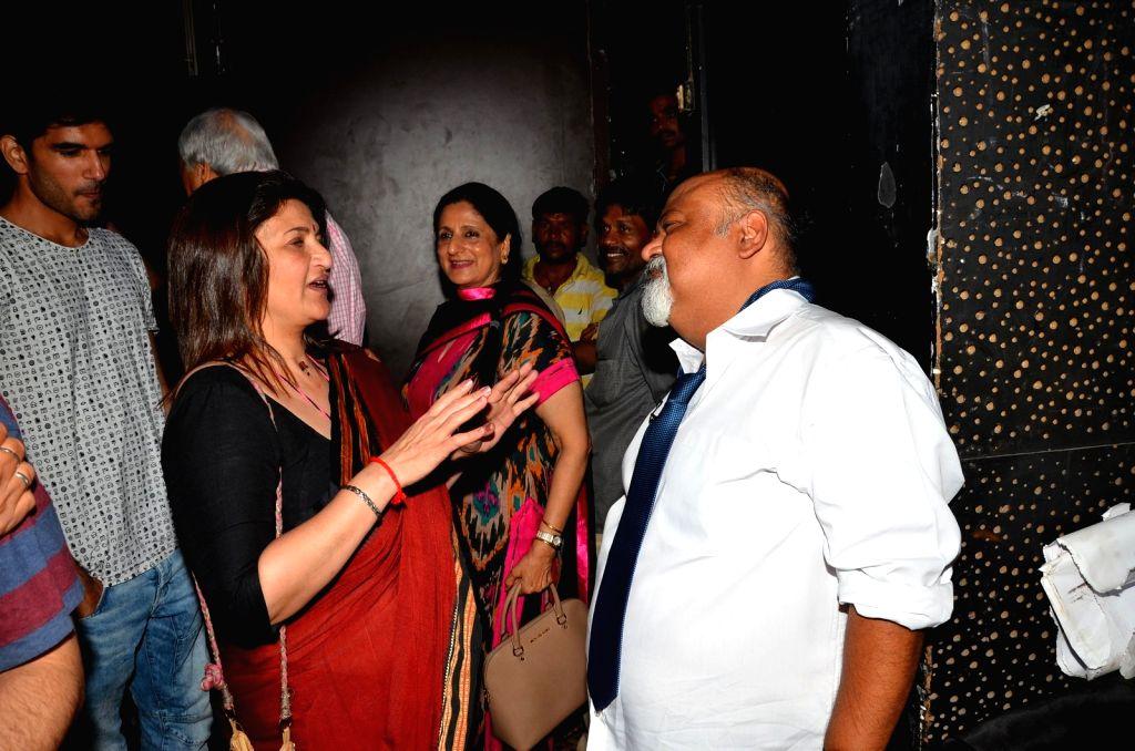 Actors Sarika and Saurabh Shukla at AGP play Barff by Saurabh Shukla in Mumbai on April 17, 2016. - Sarika and Saurabh Shukla