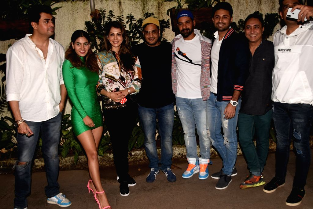 "Actors Shabbir Ahluwalia, Karishma Sharma, Isha Koppikar at the screening of the upcoming web series ""Fixer"" on Oct 8, 2019. - Shabbir Ahluwalia, Karishma Sharma and Isha Koppikar"