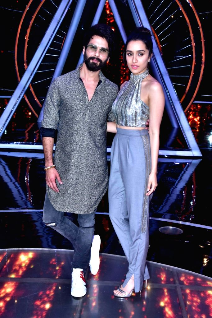 "Actors Shahid Kapoor and Shraddha Kapoor on the sets of singing reality show ""Indian Idol 10"" in Mumbai on Sept 11, 2018. - Shahid Kapoor and Shraddha Kapoor"