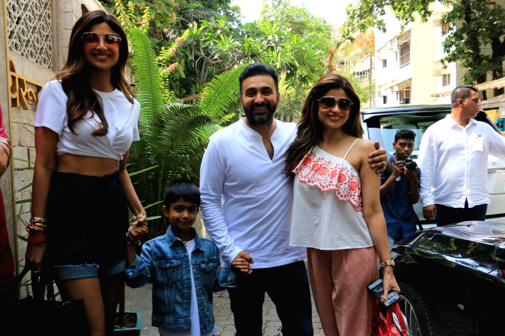 Actors Shilpa Shetty and Shamita Shetty seen with Raj Kundra in Mumbai on June 8, 2019. - Shilpa Shetty, Shamita Shetty and Raj Kundra