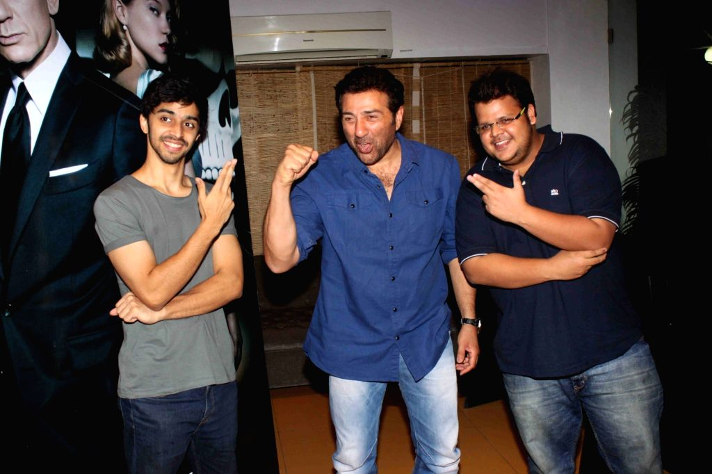 Actors Shivam Patil, Sunny Deol and Rishabh Arora  during the screening of film Spectre in Mumbai on November 21, 2015. - Shivam Patil, Sunny Deol and Rishabh Arora