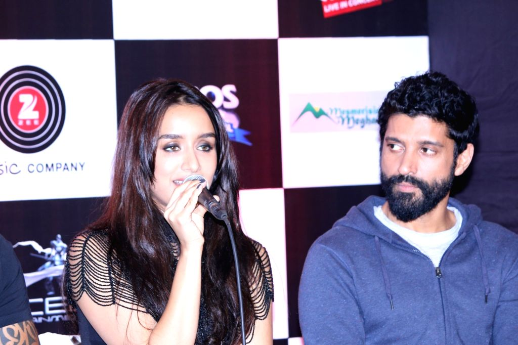 Actors Shraddha Kapoor, Farhan Akhtar during the music launch of the movie Rock On 2 in Mumbai on Sept. 17, 2016. - Shraddha Kapoor and Farhan Akhtar