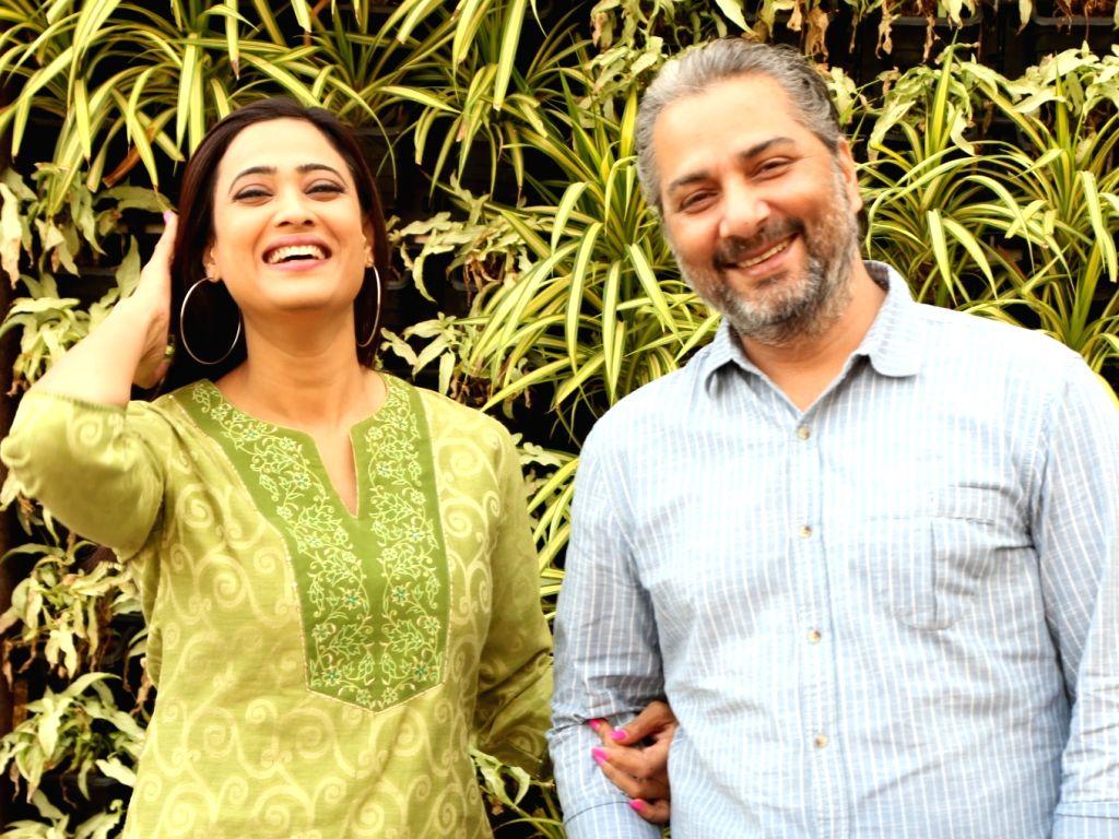 "Actors Shweta Tiwari and Varun Badola during a press meet to promote their television show ""Mere Dad Ki Dulhan"" in New Delhi on Dec 4, 2019. - Shweta Tiwari and Varun Badola"