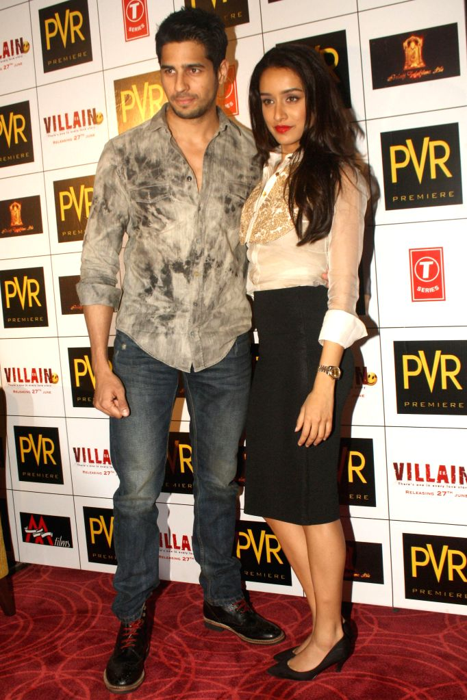 Actors Sidharth Malhotra and Shraddha Kapoor during a press conference to promote their upcoming film 'Ek Villain' in New Delhi on June 19, 2014. - Sidharth Malhotra and Shraddha Kapoor