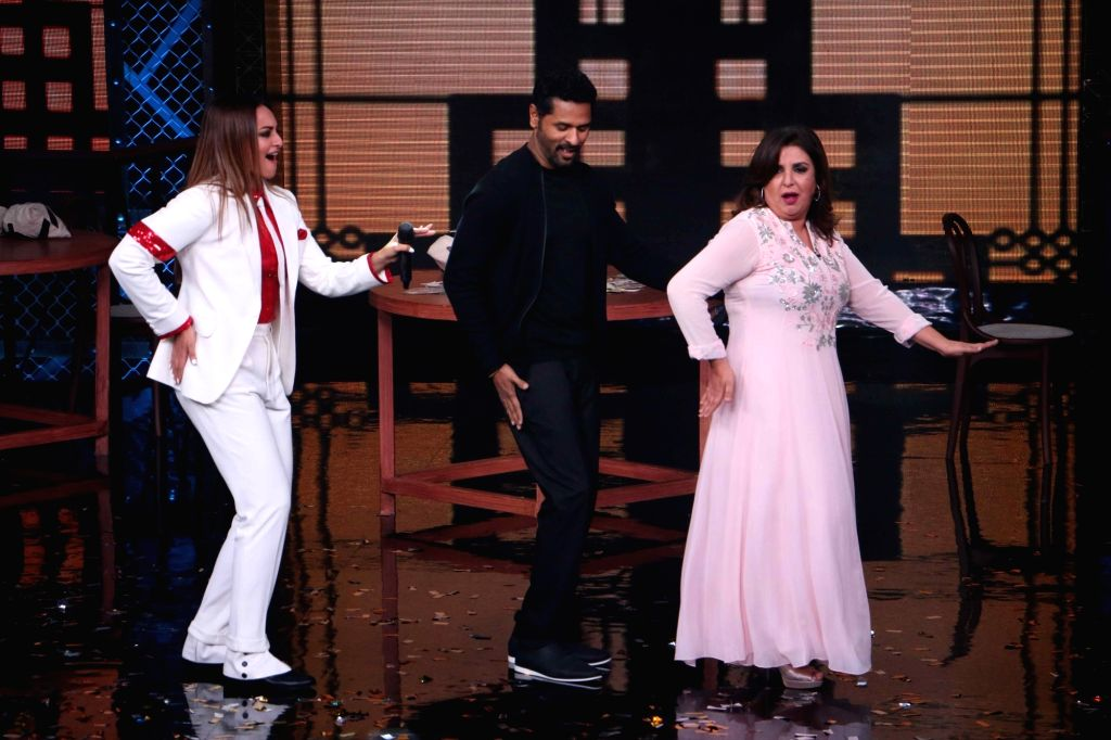 "Actors Sonakshi Sinha, Prabhu Deva and Director Farah Khan during the Star Plus show ""Lip Sing Battle"" in Mumbai on Oct 2, 2017. - Sonakshi Sinha, Prabhu Deva and Director Farah Khan"