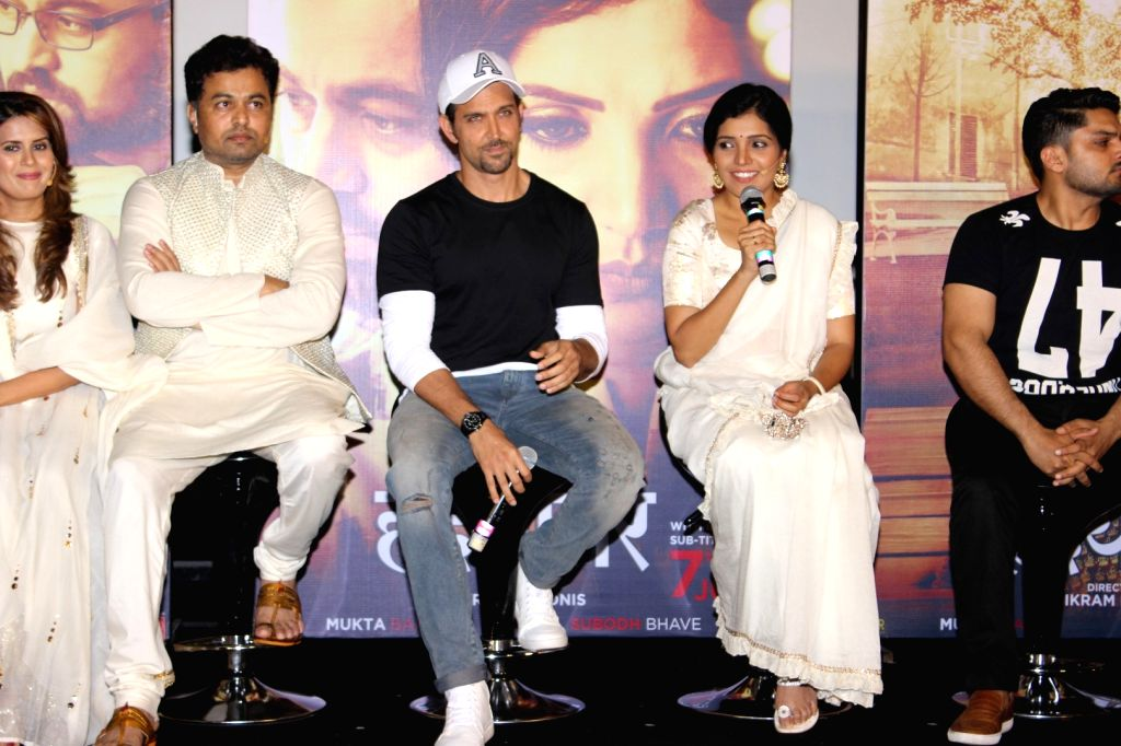 Actors Subodh Bhave, Hrithik Roshan and Mukta Barve during the trailer launch of Marathi film Hrudayantar in Mumbai on May 28, 2017. - Subodh Bhave, Hrithik Roshan and Mukta Barve