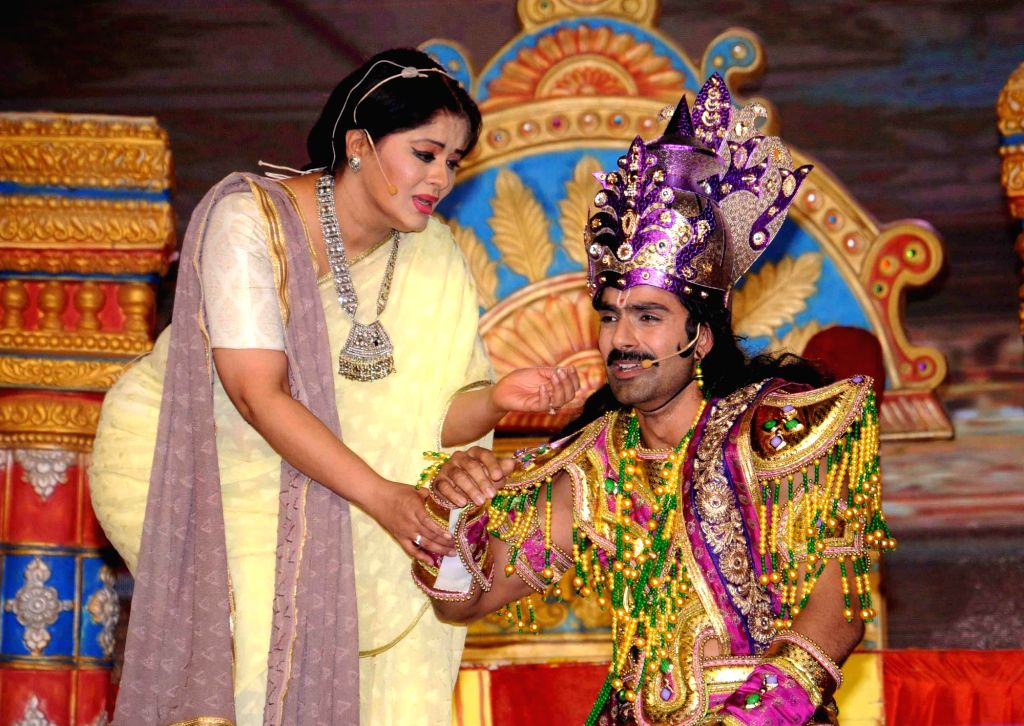 Actors Sudha Chandran and Ashmit Patel perform during Ramleela at Luv Kush Ramlila Committee in New Delhi on Oct 5, 2016. - Sudha Chandran and Ashmit Patel