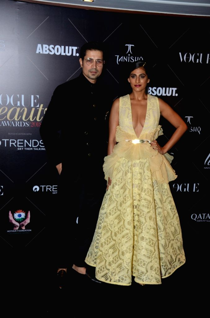 """Actors Sumeet Vyas and Kubbra Sait at the red carpet of """"Vogue Beauty Awards"""" in Mumbai on July 31, 2018. - Sumeet Vyas and Kubbra Sait"""