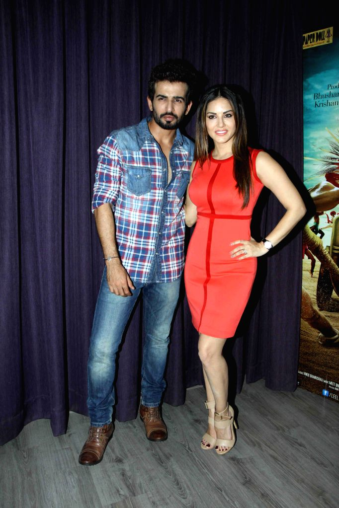 Actors Sunny Leone and Jay Bhanushali during the promotion of film Ek Paheli Leela in Mumbai on March 30, 2015. - Sunny Leone and Jay Bhanushali