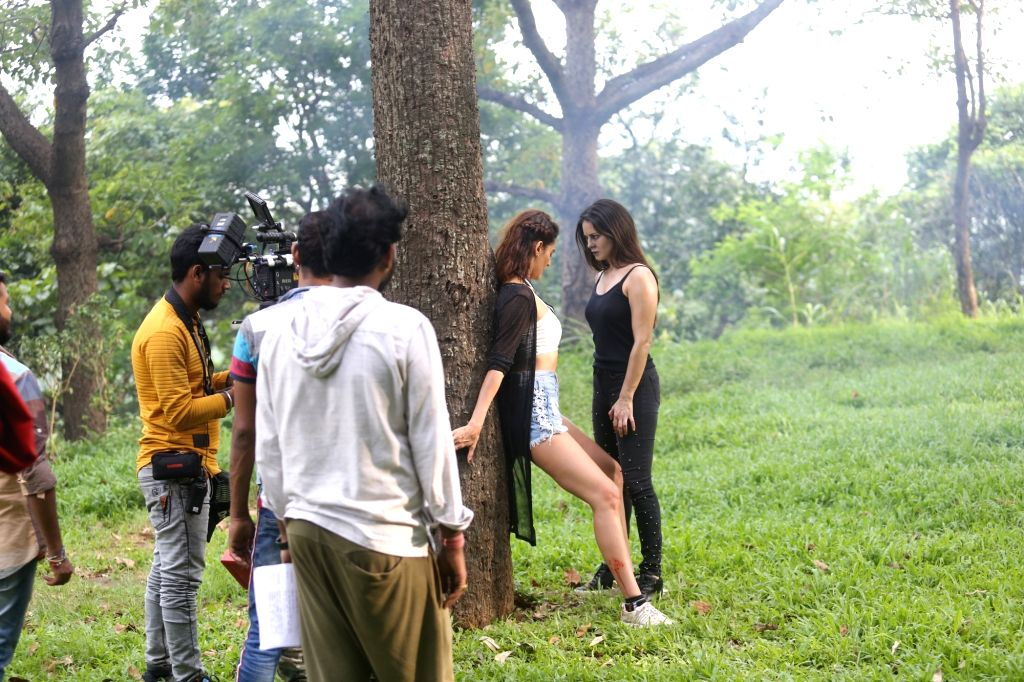 Actors Sunny Leone and Mandana Karimi during an on location shoot in Mumbai on Sep 24, 2019. - Sunny Leone and Mandana Karimi