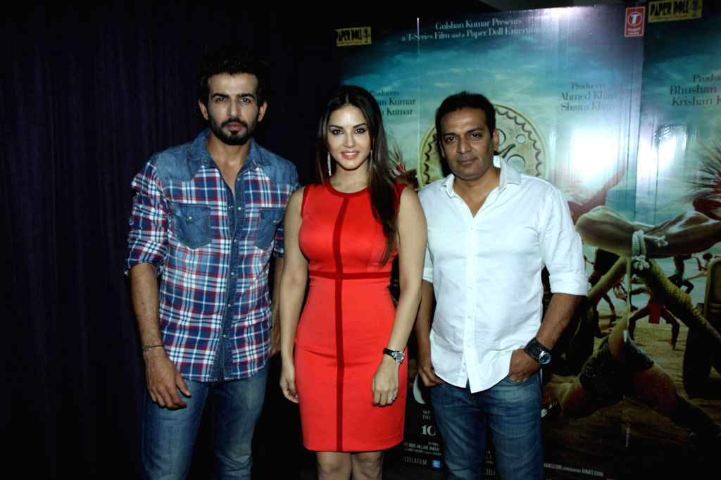 Actors Sunny Leone, Jay Bhanushali and filmmaker Bobby Khan during the promotion of film Ek Paheli Leela in Mumbai on March 30, 2015. - Sunny Leone, Jay Bhanushali and Khan