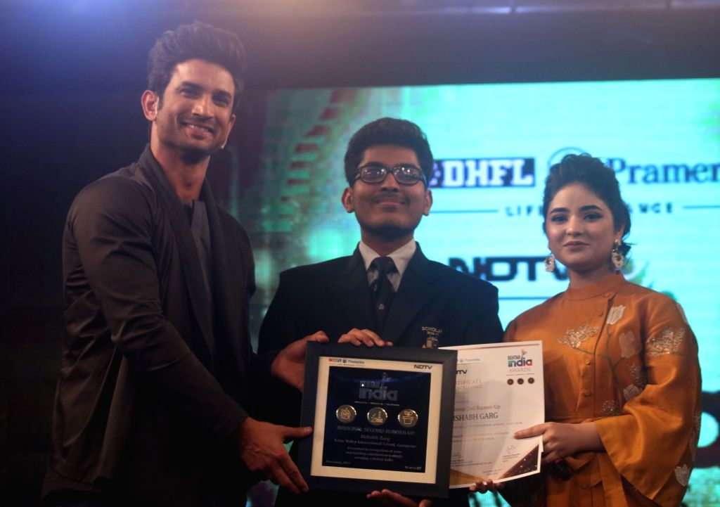 "Actors Sushant Singh Rajput and Zaira Wasim during ""Behtar India award ceremony"" in New Delhi, on Dec 5, 2017. - Sushant Singh Rajput and Zaira Wasim"