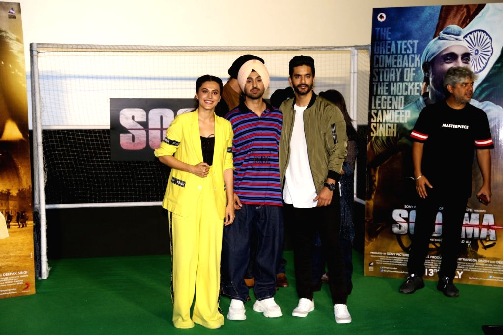 """Actors Taapsee Pannu, Diljit Dosanjh and Angad Bedi at the trailer launch of their upcoming film """"Soorma"""" in Mumbai on June 11, 2018. - Taapsee Pannu, Diljit Dosanjh and Angad Bedi"""