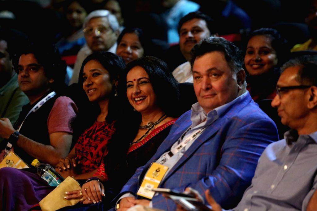 Actors Tanishtha Chatterjee, Divya Dutta, Rishi Kapoor and Dainik Jagran CEO Sanjay Gupta at Jagran Film Festival in New Delhi, on July 2, 2017. - Tanishtha Chatterjee, Divya Dutta, Rishi Kapoor, Dainik Jagran C and Sanjay Gupta