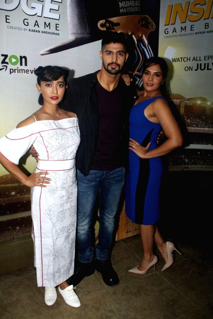 """Actors Tanuj Virwani, Sayani Gupta, Richa Chadda during promotion of television series """"Inside Edge"""" in Mumbai on July 4, 2017. - Tanuj Virwani, Sayani Gupta and Richa Chadda"""