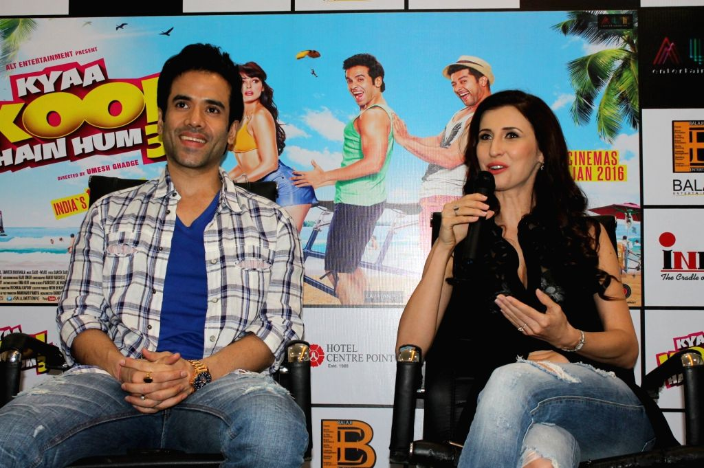 "Actors Tusshar Kapoor and Claudia Ciesla during promotion of their upcoming film ""Kyaa Kool Hain Hum 3"" in Nagpur, on Jan 14, 2016. - Tusshar Kapoor and Claudia Ciesla"