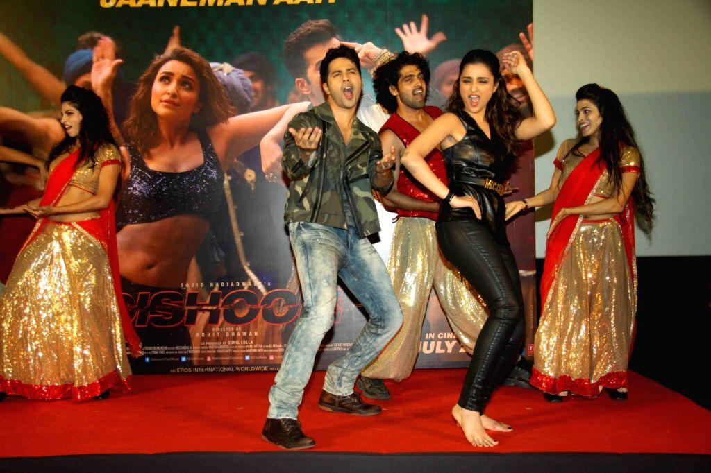 Actors Varun Dhawan and Parineeti Chopra during the launch of song Jaaneman Aah from film Dishoom, in Mumbai, on July 12, 2016. - Varun Dhawan and Parineeti Chopra