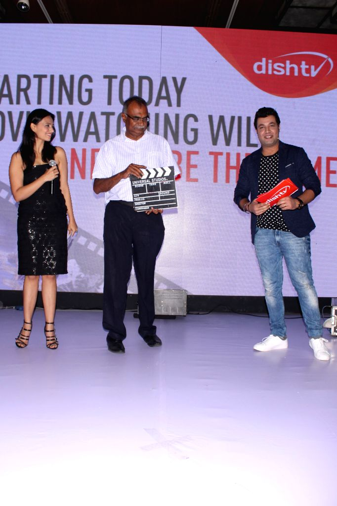 Actors Varun Sharma and Roshni Chopra alongwith Salil Kapoor - COO, Jawahar Goel -MD, R.C.Venkateish, CEO, DishTV at  the DishTV launches its first Home Video System-DishFlix in India in ... - Varun Sharma, Roshni Chopra and Salil Kapoor
