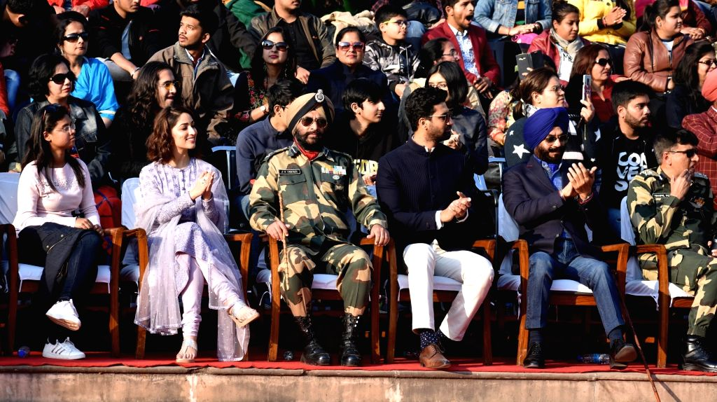 Actors Vicky Kaushal and Yami Gautam during 2019 Republic Day celebrations at Attari-Wagha border in Punjab, on Jan 26, 2019. - Vicky Kaushal and Yami Gautam