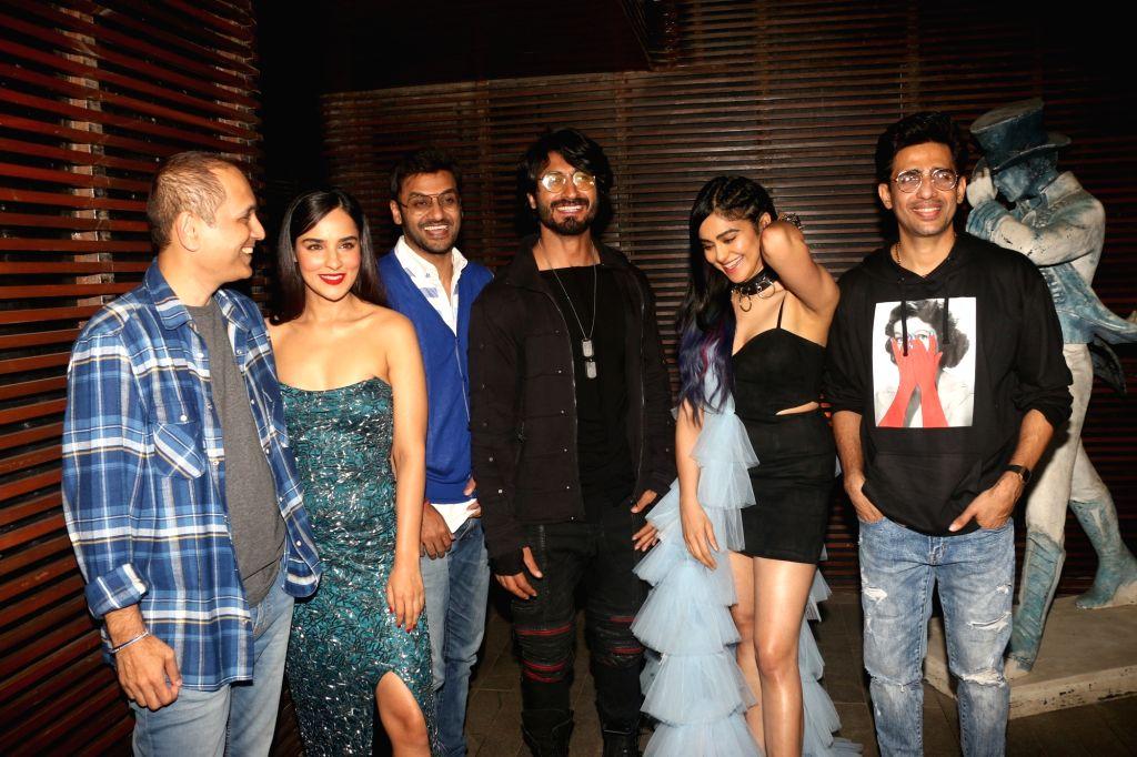 "Actors Vidyut Jamwal, Adah Sharma, Gulshan Devaiah, Angira Dhar and filmmaker Aditya Datt and producer Vipul Amrutlal Shah attend the success party of film ""Commando 3"" in Mumbai on ... - Vidyut Jamwal, Adah Sharma, Gulshan Devaiah, Angira Dhar and Vipul Amrutlal Shah"