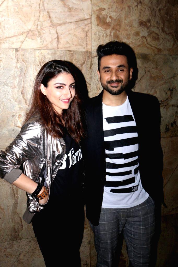Actors Vir Das and Soha Ali Khan during the screening of film 31st October, in Mumbai, on Oct 19, 2016. - Vir Das and Soha Ali Khan
