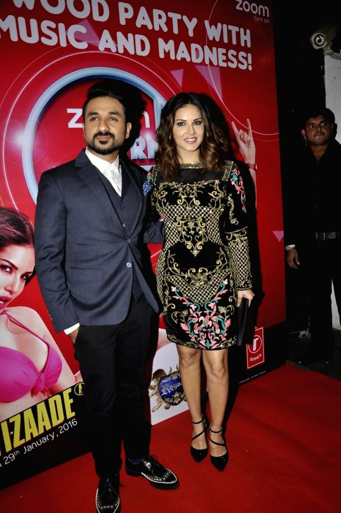 Actors Vir Das and Sunny Leone during the promotion of film Mastizaade in  Mumbai. - Vir Das and Sunny Leone