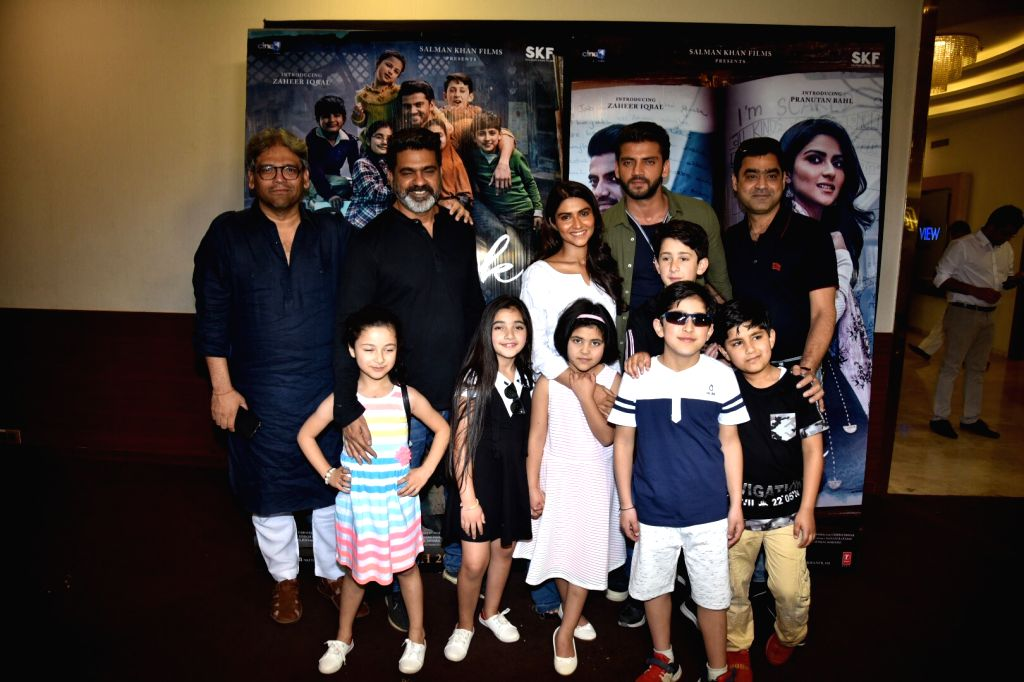 "Actors Zaheer Iqbal and Pranutan Bahl with director Nitin Kakkar and producers Ashwin Varde and Murad Khetani at trailer preview of their upcoming film the ""Notebook"" in Mumbai, on ... - Nitin Kakkar, Zaheer Iqbal and Pranutan Bahl"