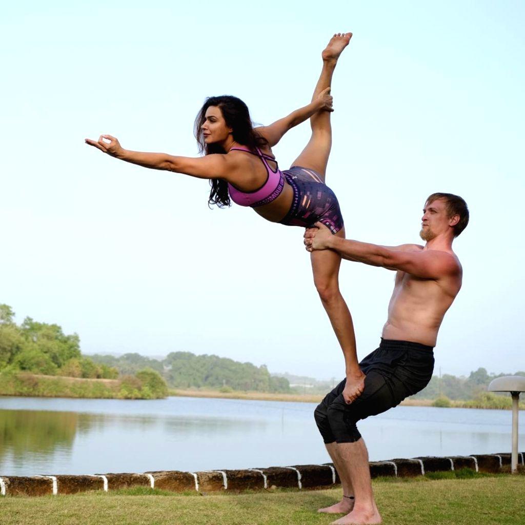Actress Aashka Goradia and husband Brent Goble will restore 150-year-old Portuguese house to start a Yoga Shala. - Aashka Goradia