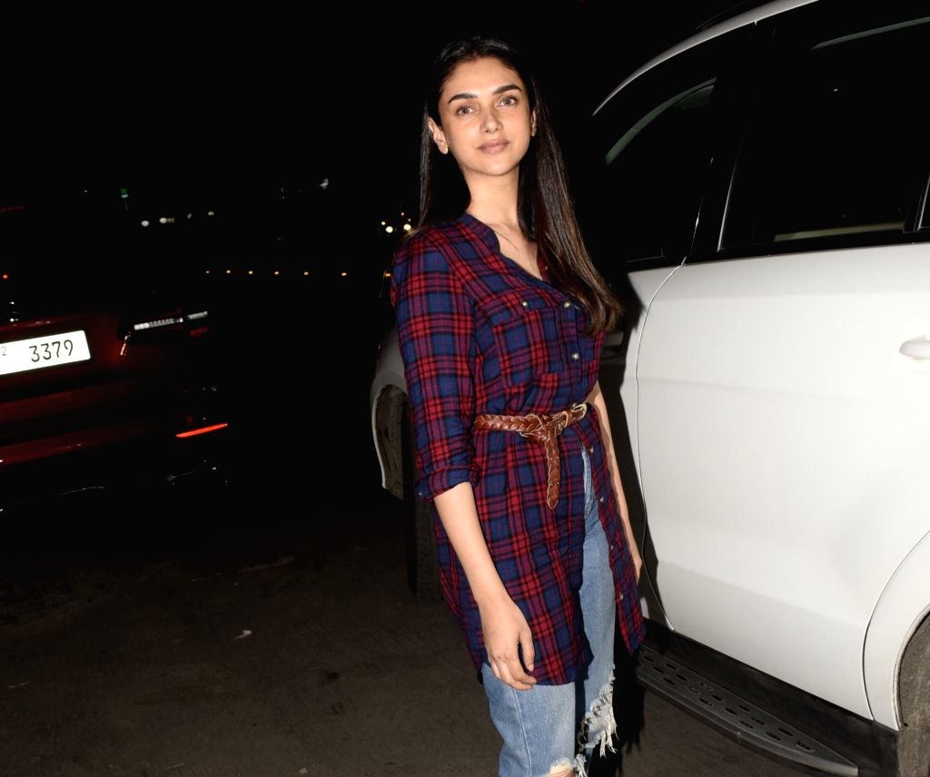 Actress Aditi Rao Haydri seen at Juhu in Mumbai on Jan 31, 2019. - Aditi Rao Haydri