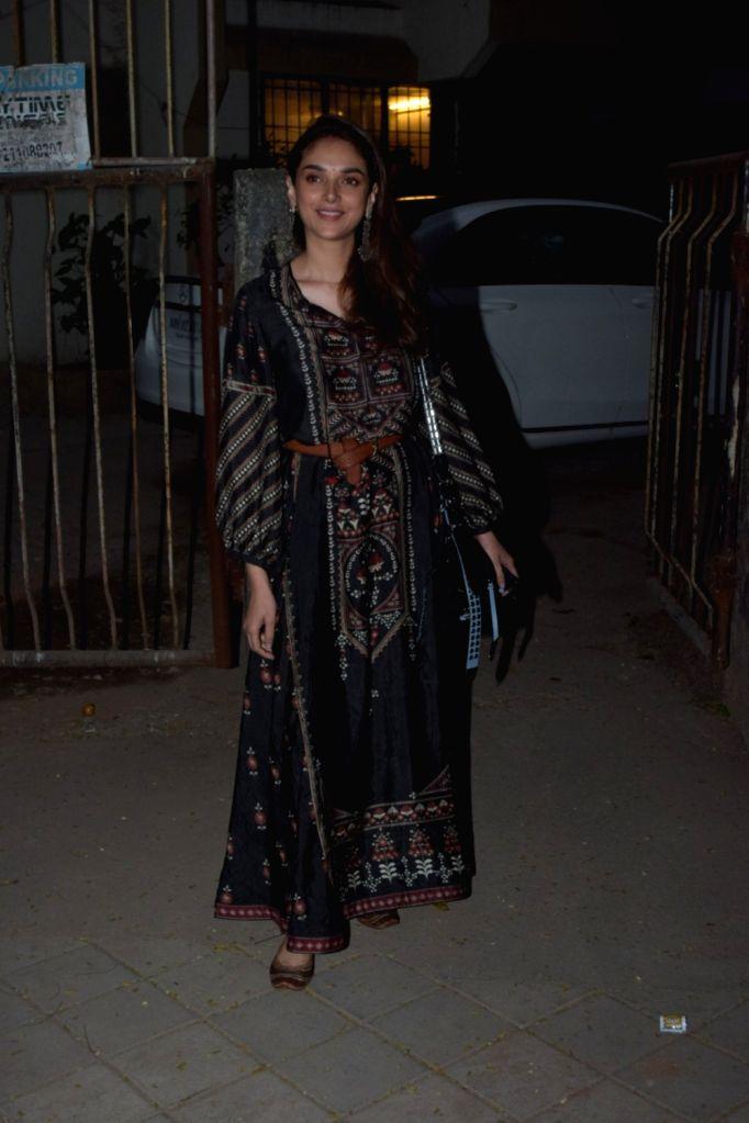 Actress Aditi Rao Hydari seen at Juhu, in Mumbai on Jan 10, 2020. - Aditi Rao Hydari