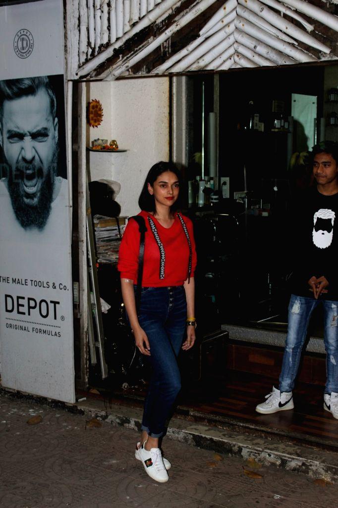 Actress Aditi Rao Hydari seen outside a salon in Mumbai's Bandra, on March 7, 2019. - Aditi Rao Hydari