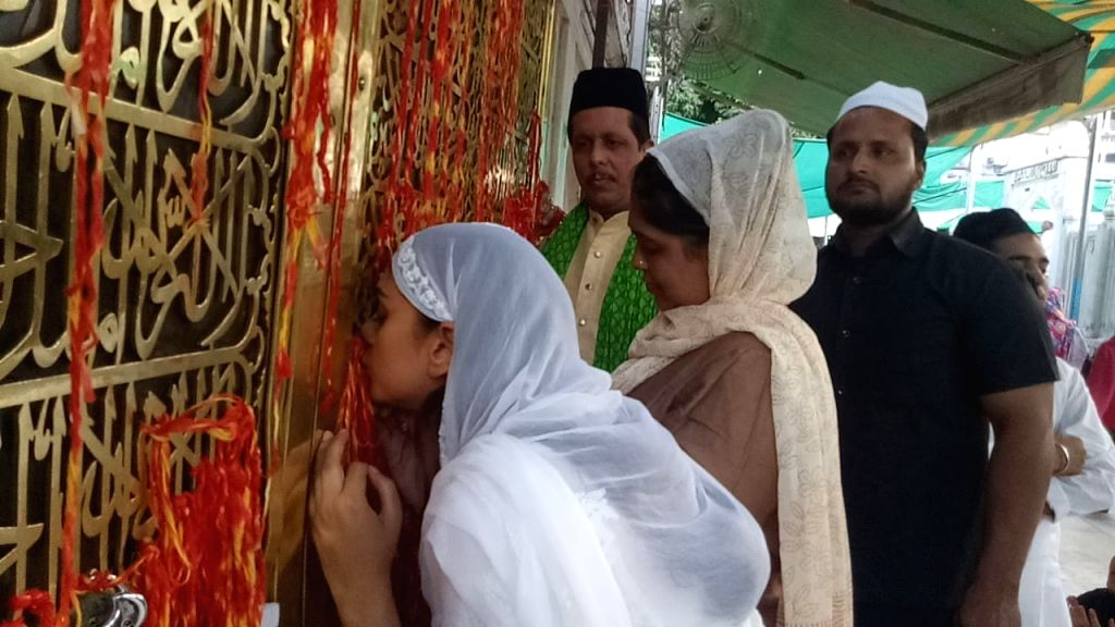Actress Aditi Rao Hydari visits the dargah of Sufi mystic Khwaja Moinuddin Chishti in Ajmer on Oct 31, 2018. - Aditi Rao Hydari