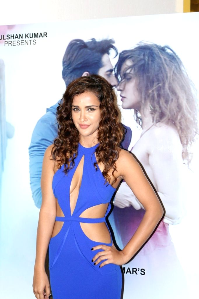 Actress Aisha Sharma during the launch of song `Ik Vaari`, in Mumbai on Sept 22, 2016. - Aisha Sharma