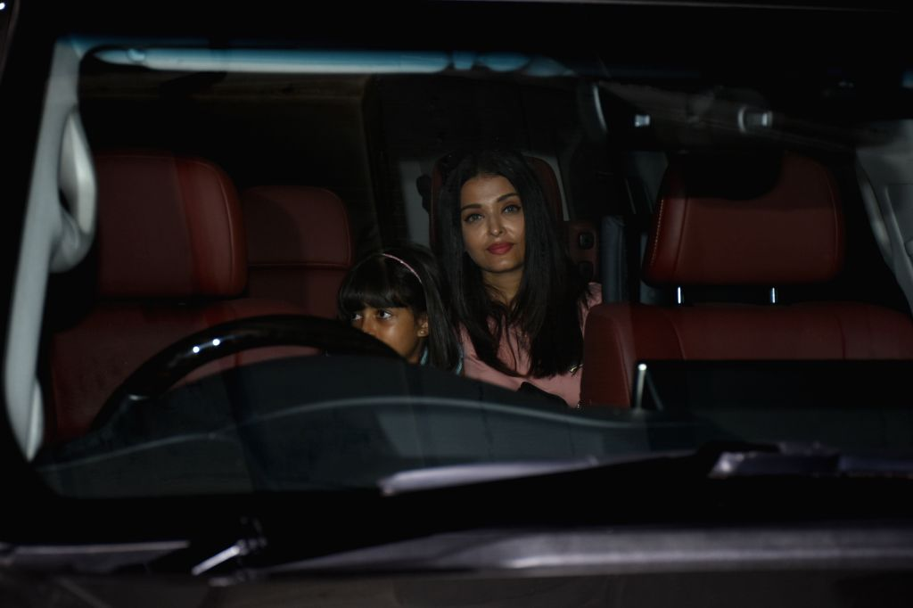 Actress Aishwarya Rai Bachchan and her daughter Aaradhya Bachchan seen at Juhu, in Mumbai, on June 2, 2019. - Aishwarya Rai Bachchan and Aaradhya Bachchan