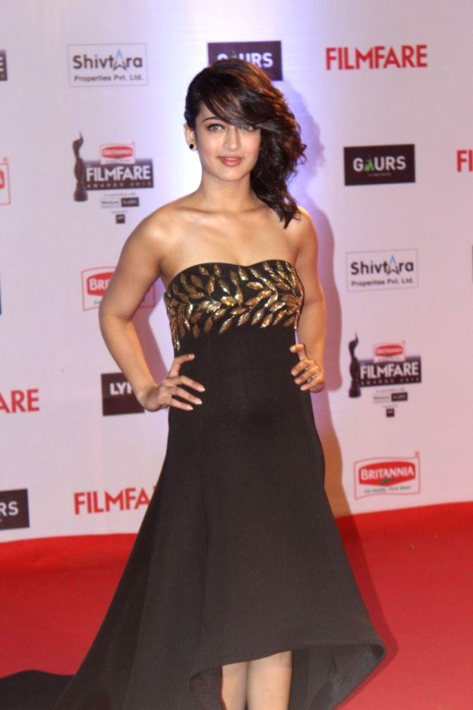 Actress Akshara Haasan during the 61st Britannia Filmfare Awards in Mumbai on January 15, 2016. - Akshara Haasan