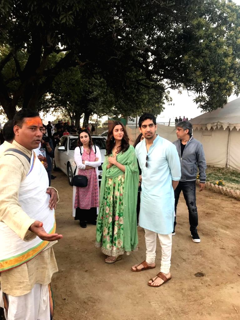"Actress Alia Bhatt and director Ayan Mukerji during the launch of their upcoming film logo ""Brahmastra"" at Sangam - the trinity of rivers Ganga, Yamuna and the mythical ... - Alia Bhatt"