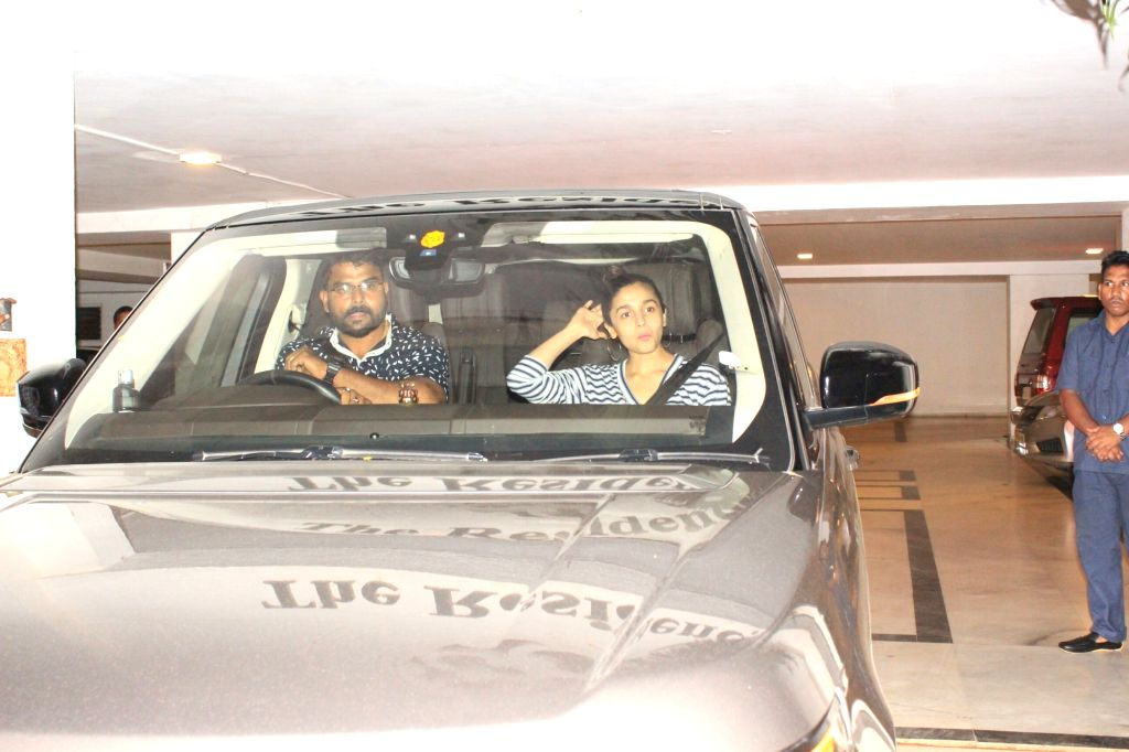 Actress Alia Bhatt seen at filmmaker Karan Johar's residence in Mumbai on June 10, 2018. - Alia Bhatt