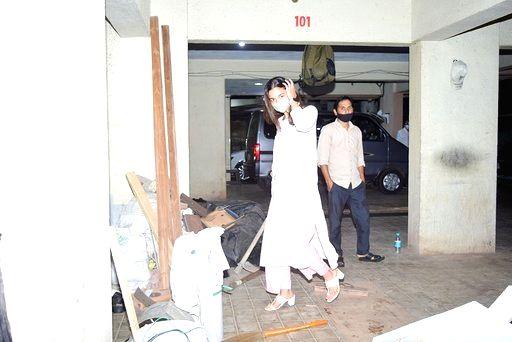 Actress Alia Bhatt seen at filmmaker Sanjay Leela Bhansali's office in Mumbai's Juhu on Sep 14, 2020. - Alia Bhatt