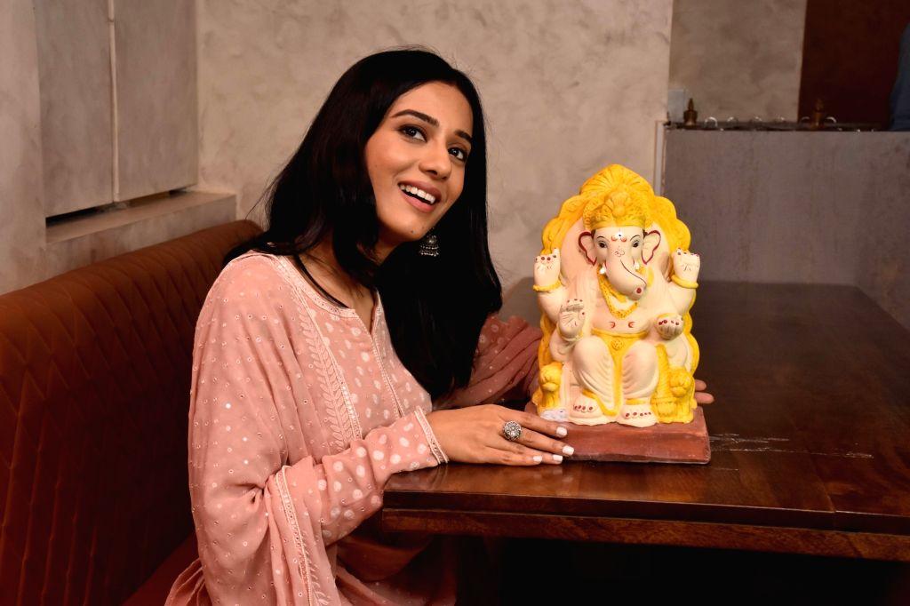 Actress Amrita Rao during a programme organsied to spread awareness about eco-friendly Ganesha Festival celebration in Mumbai on Aug 8, 2019. - Amrita Rao