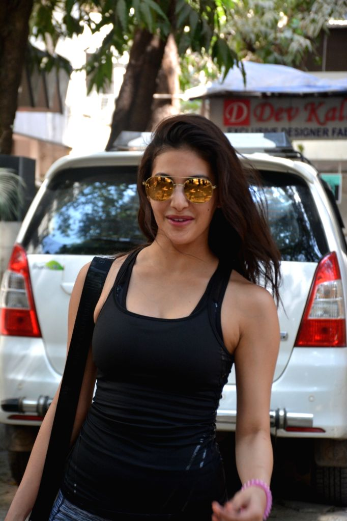 Actress Amyra Dastur seen at Bandra in Mumbai on MArch 6, 2019. - Amyra Dastur