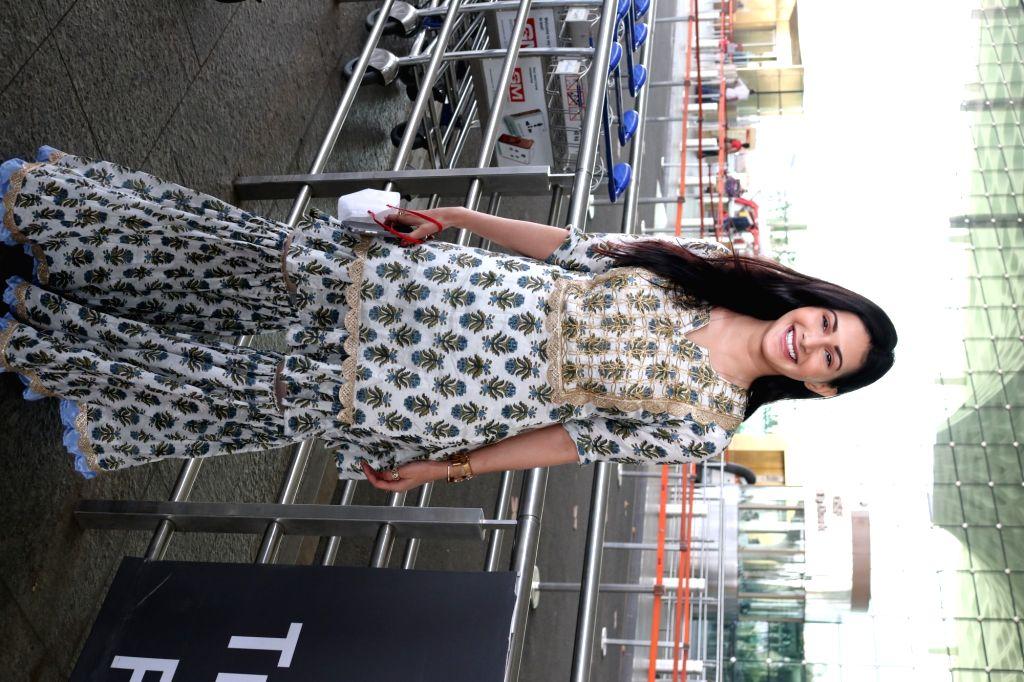 Actress Amyra Dastur seen at the Chhatrapati Shivaji Maharaj International Airport in Mumbai on Dec 4, 2020. - Amyra Dastur