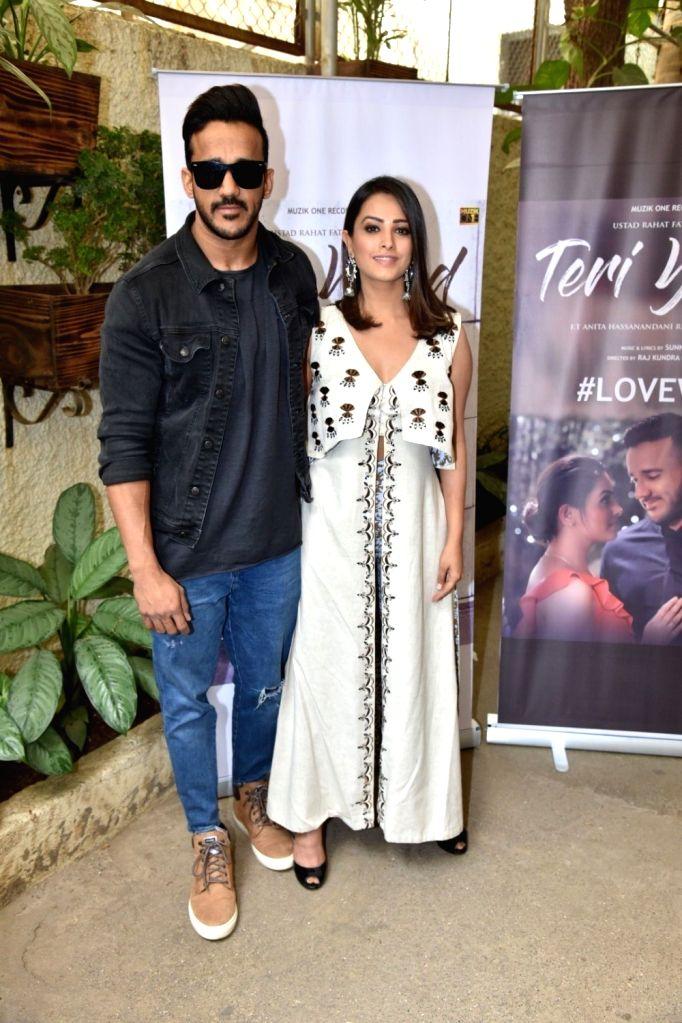 "Actress Anita Hassanandani with her husband Rohit Reddy at the launch of their music album ""Teri Yaad"" in Mumbai, on Feb 9, 2019. - Anita Hassanandani and Rohit Reddy"