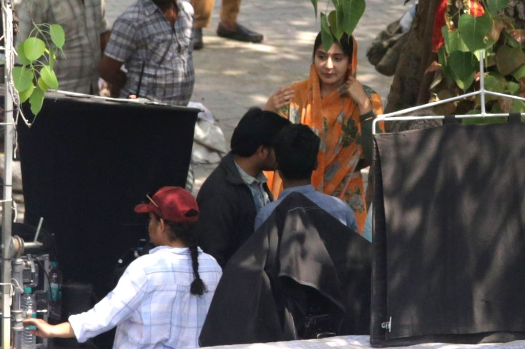 """Actress Anushka Sharma during the shooting of her upcoming film """"Sui Dhaga"""", in New Delhi's Connaught Place on March 31, 2018. - Anushka Sharma"""