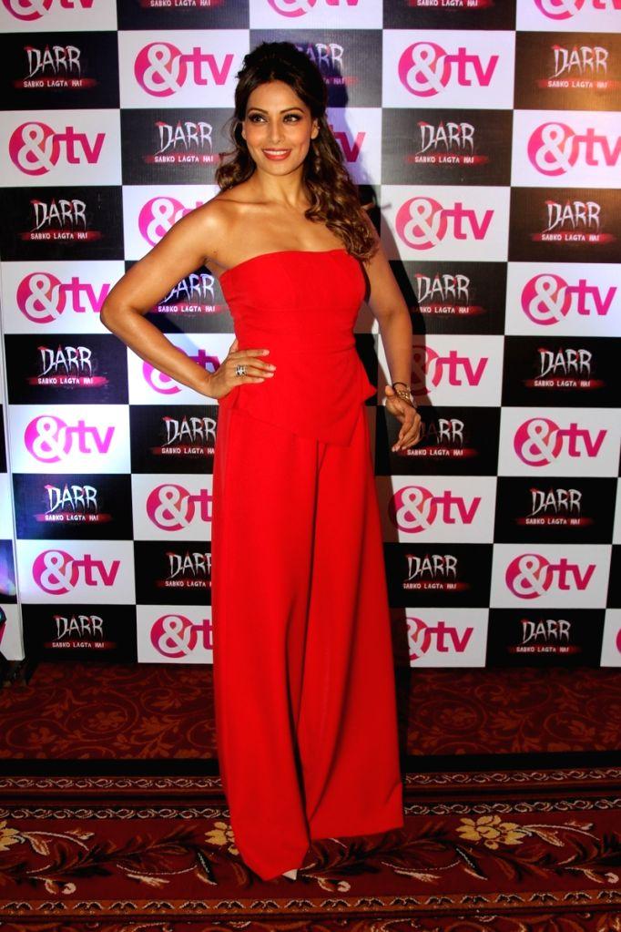 Actress Bipasha Basu at the launch of & TV's new television serial Darr Sabko Lagta Hai, in Mumbai on Oct 20, 2015. - Bipasha Basu