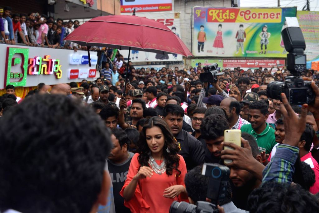 """Actress Catherine Tresa during a launches """"B New Mobile"""" in Hyderabad. - Catherine Tresa"""