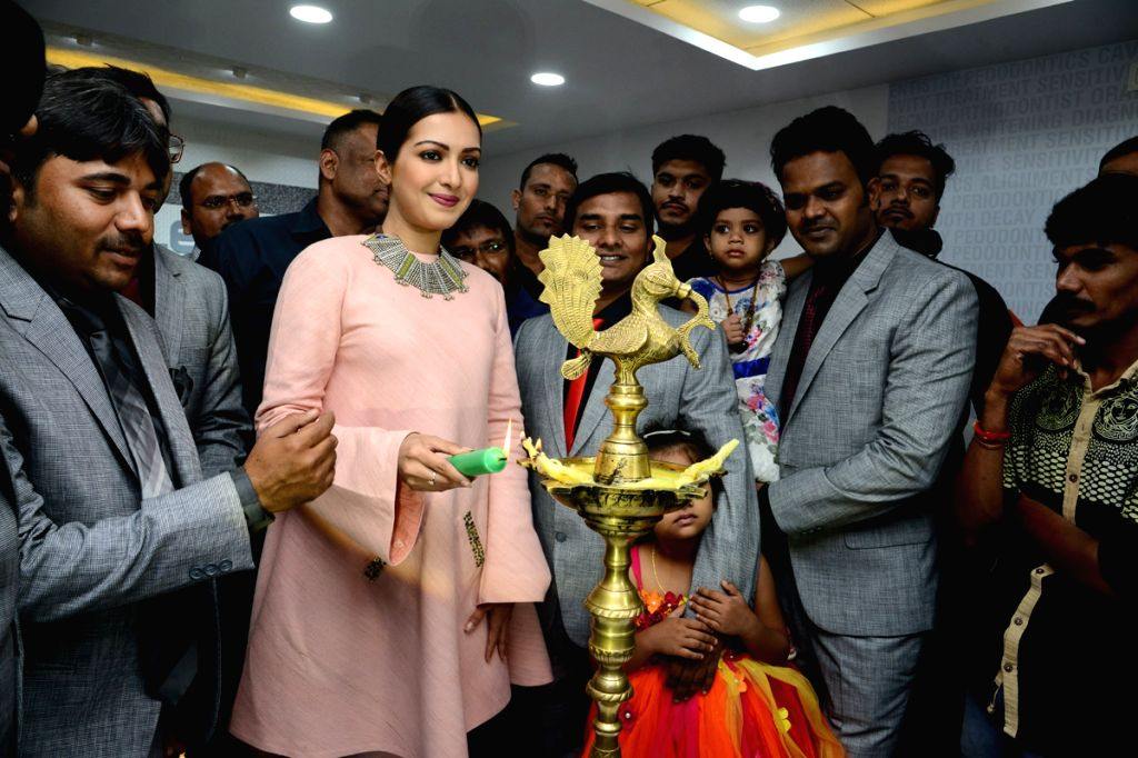 Actress Catherine Tresa during a Launches Eledent Hosptal Kondapur in Hyderabad. - Catherine Tresa