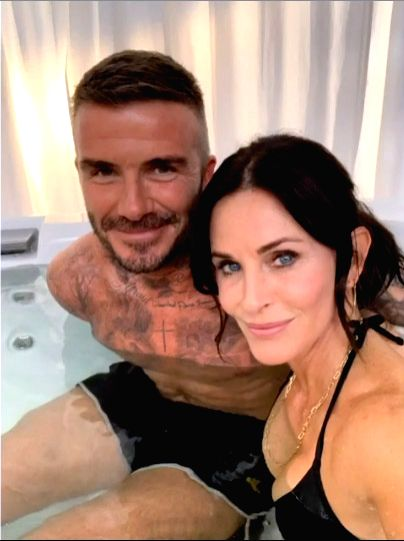 """Actress Courtney Cox posted two photographs on social media with former football superstar David Beckham on the set of """"Modern Family"""", and this has """"confused"""" her ... - Courtney Cox"""